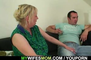 she finds her old mommy sitting on her bfs rod