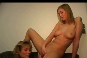 hawt mother-daughters ally action (german)