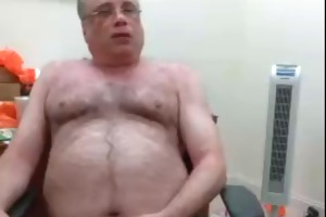 webcam hairy bear dad jerks his load on his desk