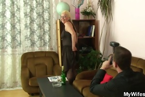 he is makes three-some photos and bangs mother in