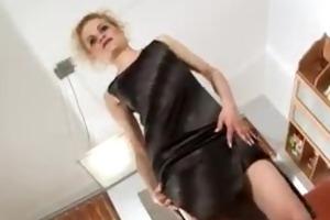 scarlette sax fucks her ass with a glass dildo