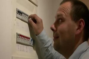 geezer explores his son&#039 s gf pussy