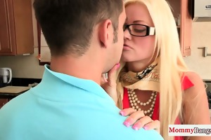 mom cougar shows stepteen how its done