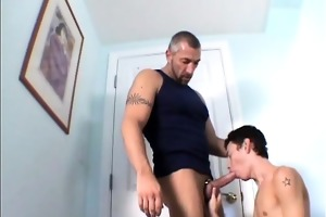 muscled papa drills a slender twink