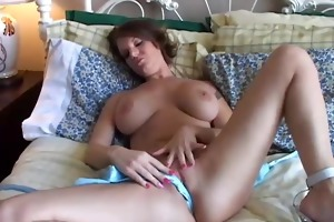 sexy mother i plays with her gorgeous twat