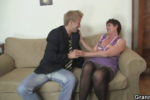 old mama spreads her legs for hard jock
