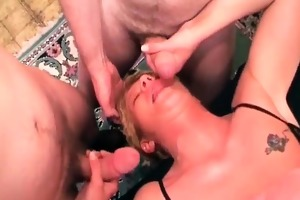 blonde wench got gangbanged in her old pussy