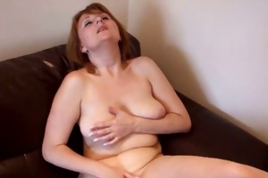 busty old woman rubs her older clit