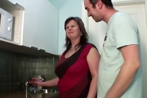 guy fuck mamma in the kitchen