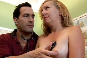 sexy blond mother i heidi enjoys a facial spunk