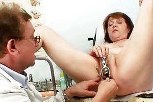 kinky old lady acquires her snatch examined by