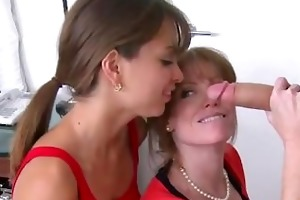 mamma shows how to fuck