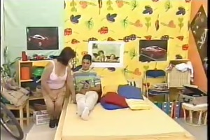sexy aged 20 mother entice youg chap for fist sex