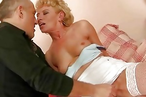 old hooker receives her asshole fucked