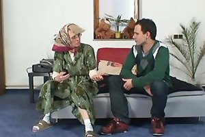 naughty grandma gives up her old cunt
