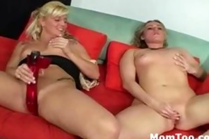 blonde d like to fuck and cute daughter engulf