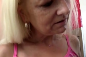 wife comes in and sees her bf bonks her mom