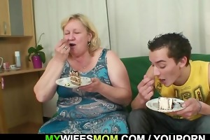 oh shit mom! you rides my bfs cock?!?