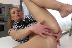 hawt mature housewife loves pleasing her part4