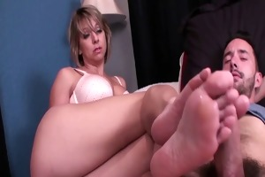 mom gives most good footjob