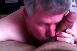 daddy gives a oral-job
